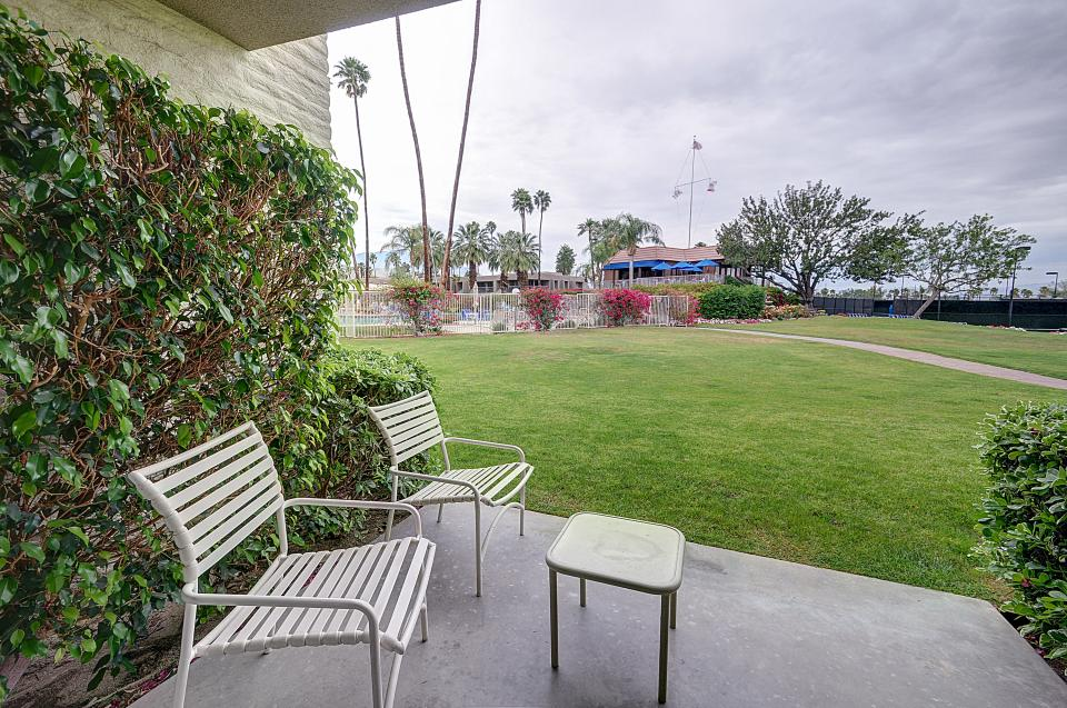 Shadow Mountain Club Studio - Palm Desert Vacation Rental - Photo 17