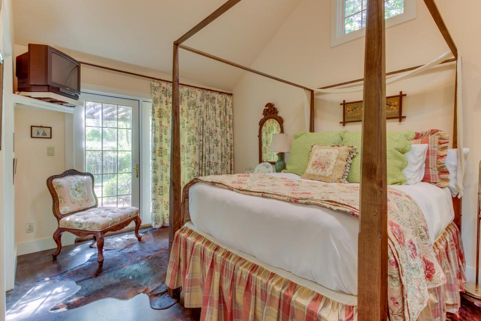 Eva's Guest House - Fredericksburg Vacation Rental - Photo 21