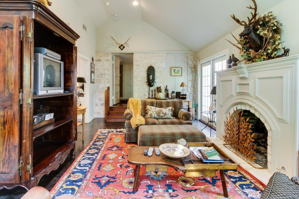 Eva's Guest House - Fredericksburg Vacation Rental - Photo 3