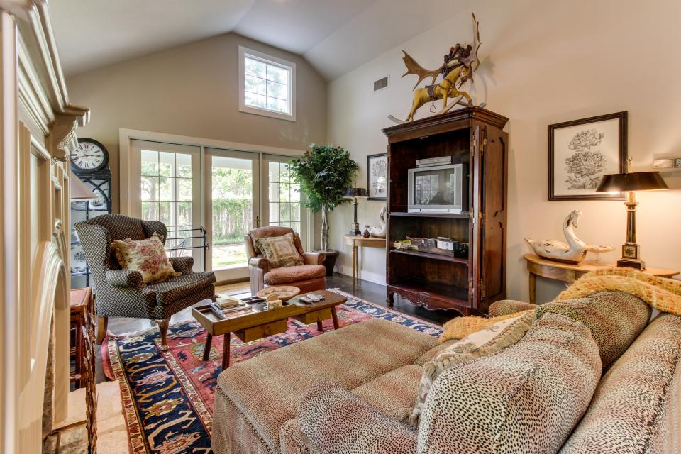 Eva's Guest House - Fredericksburg Vacation Rental - Photo 5