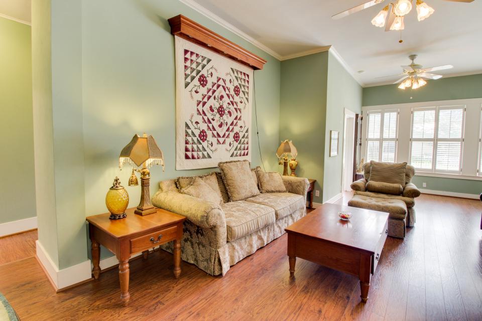 The Victorian Mansion Suite Elizabeth