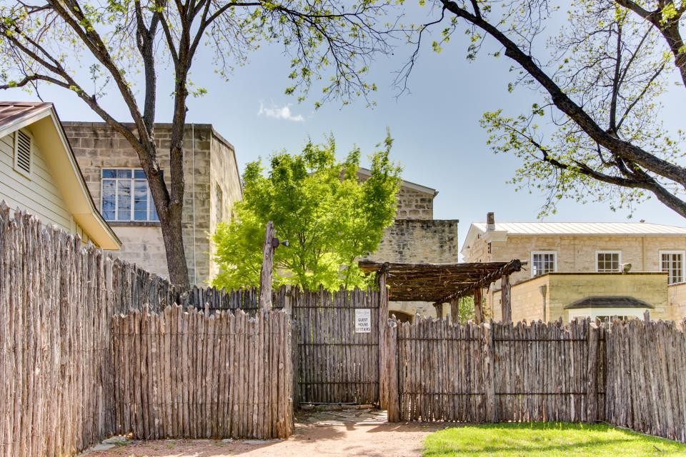 Eden's Gate - Fredericksburg Vacation Rental - Photo 17
