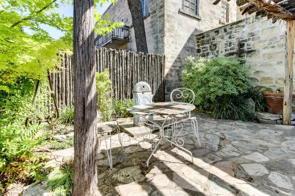 Eden's Gate - Fredericksburg Vacation Rental - Photo 16