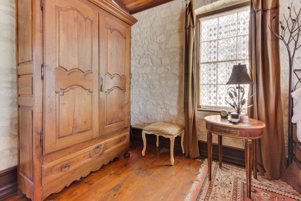 Eden's Gate - Fredericksburg Vacation Rental - Photo 14