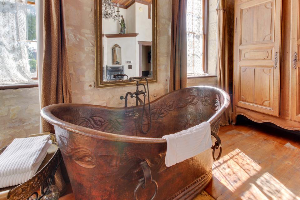 Eden's Gate - Fredericksburg Vacation Rental - Photo 6