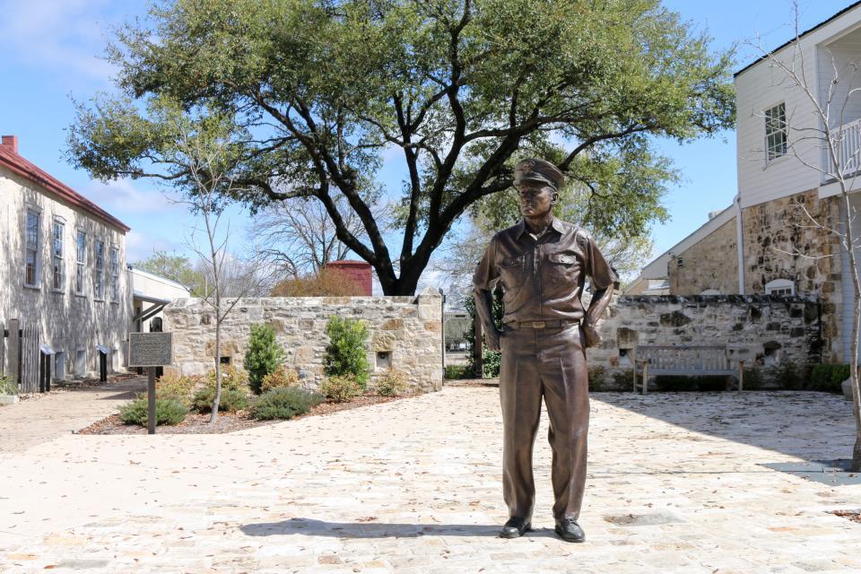Eden's Gate - Fredericksburg Vacation Rental - Photo 20