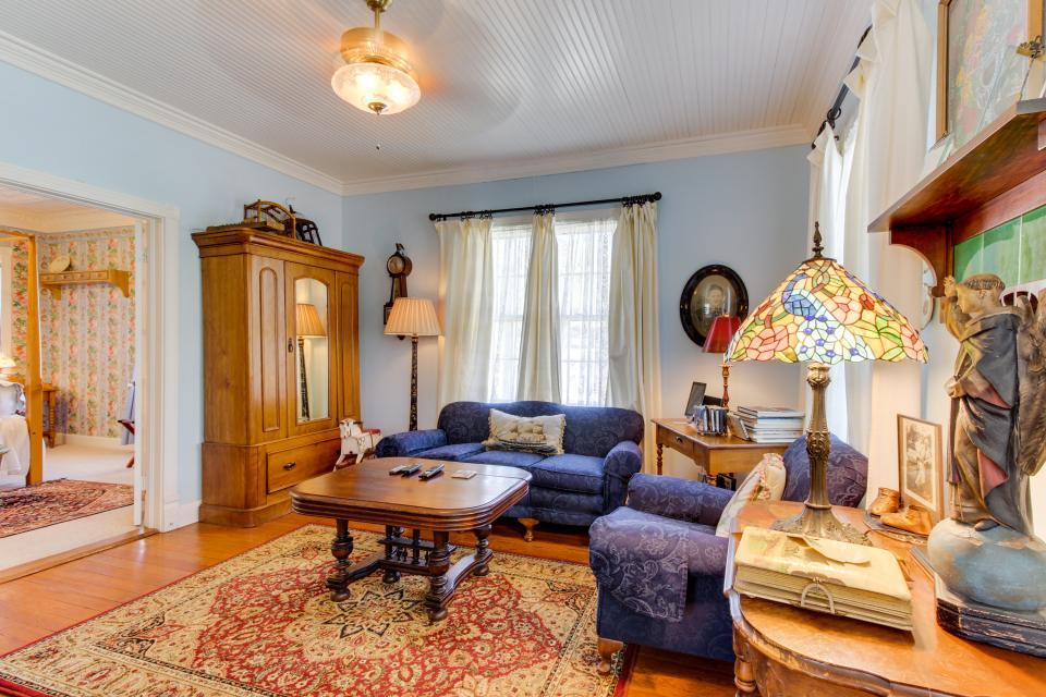 Little Acorn - Fredericksburg Vacation Rental - Photo 5