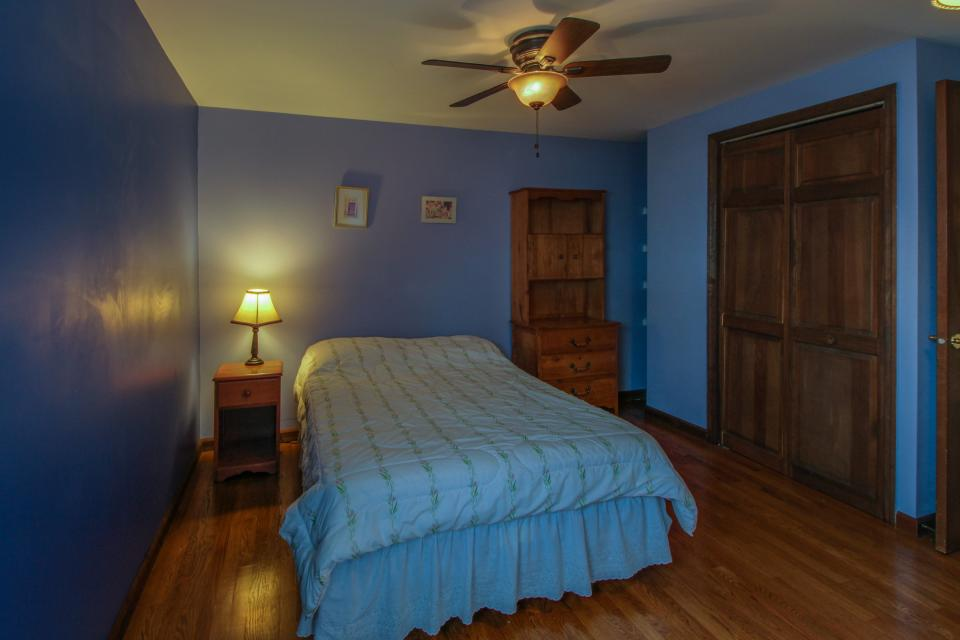 Home Away from Home + Studio - North Hero Vacation Rental - Photo 23