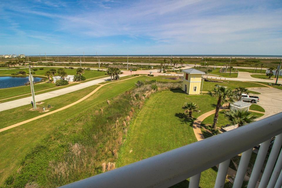 Treasure Cove - Galveston Vacation Rental - Photo 13