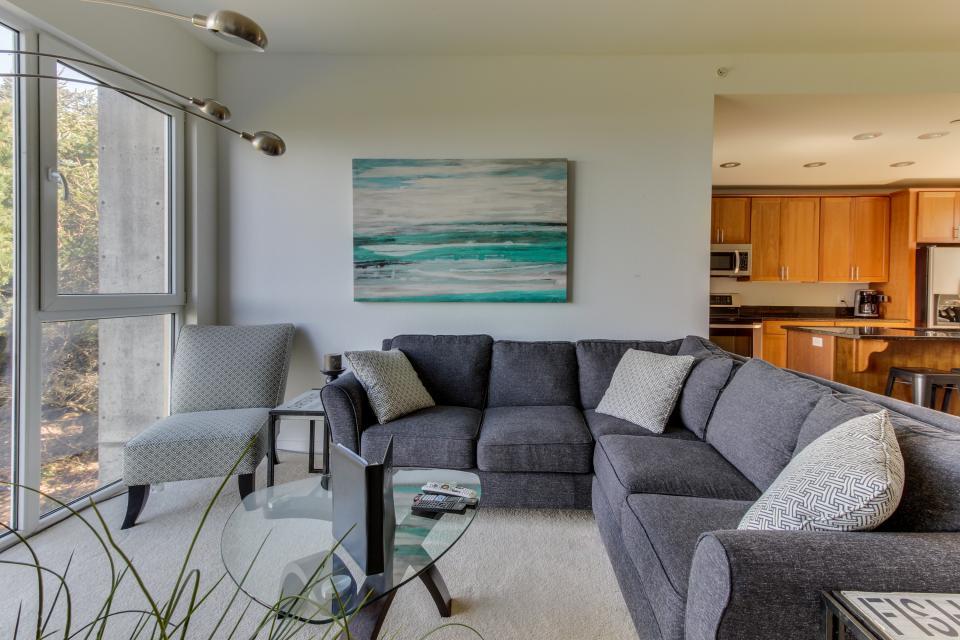 The Stonybrook Condo #108 - Rockaway Beach Vacation Rental - Photo 2