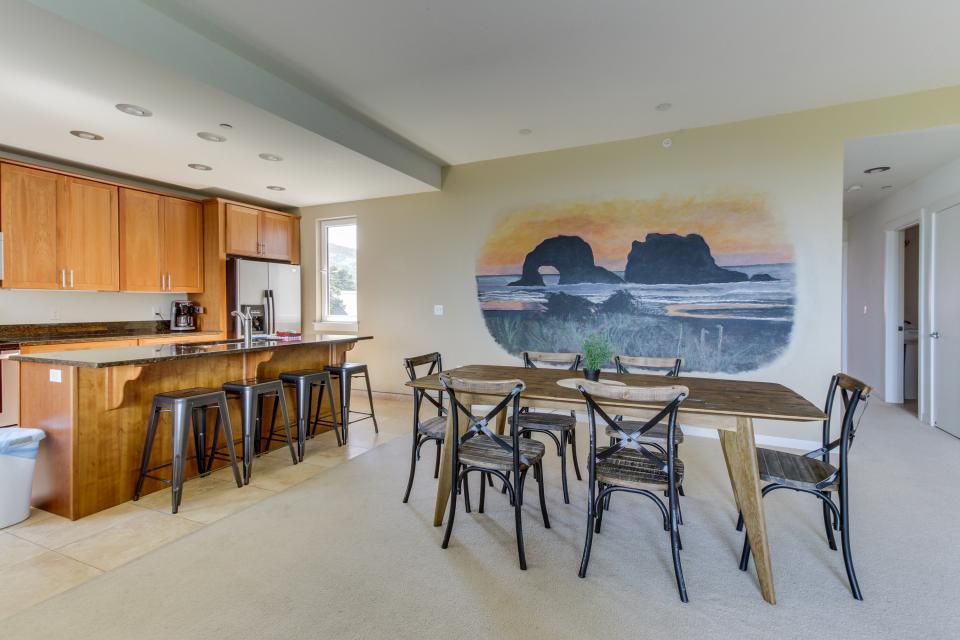 The Stonybrook Condo #108 - Rockaway Beach Vacation Rental - Photo 4