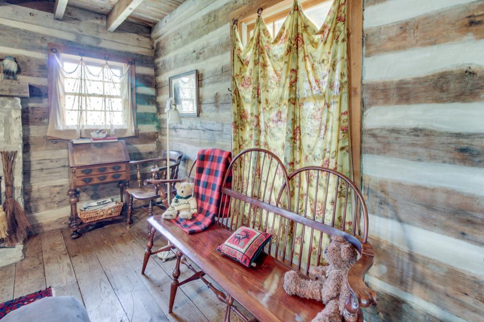 Tanglewood Farms-Full Property - Fredericksburg Vacation Rental - Photo 8