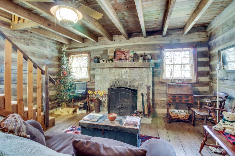 Tanglewood Farms-Full Property - Fredericksburg Vacation Rental - Photo 7