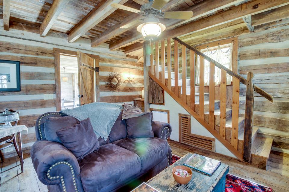 Tanglewood Farms-Full Property - Fredericksburg Vacation Rental - Photo 9
