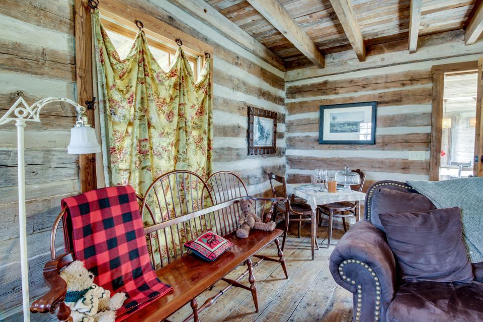 Tanglewood Farms-Full Property - Fredericksburg Vacation Rental - Photo 10