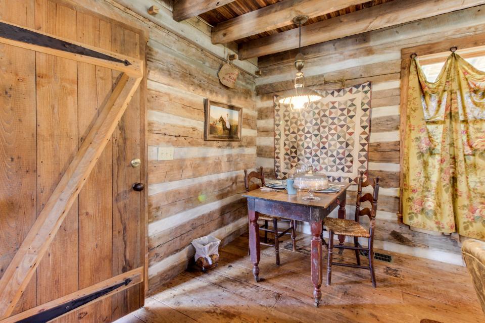 Tanglewood Farms-Full Property - Fredericksburg Vacation Rental - Photo 4
