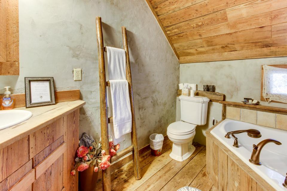 Tanglewood Farms-Full Property - Fredericksburg Vacation Rental - Photo 32
