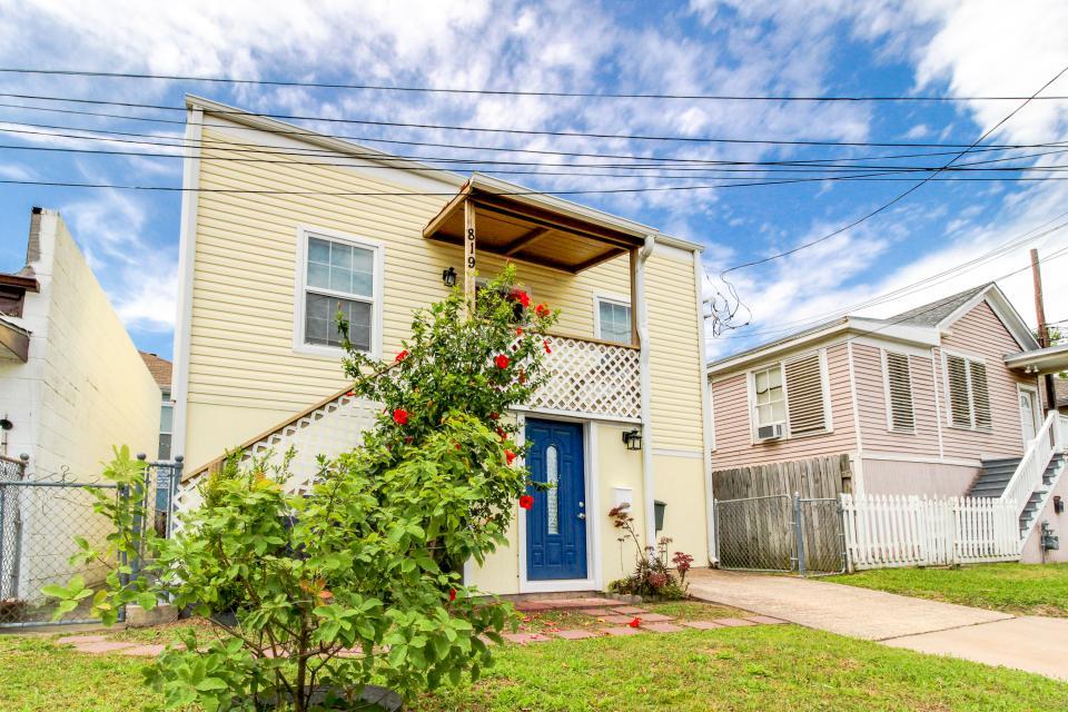 The Yellow Beach House - Galveston Vacation Rental - Photo 28