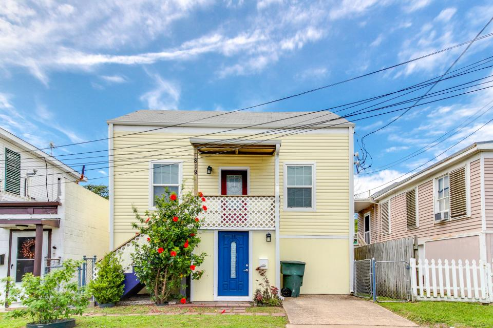 The Yellow Beach House - Galveston Vacation Rental - Photo 27
