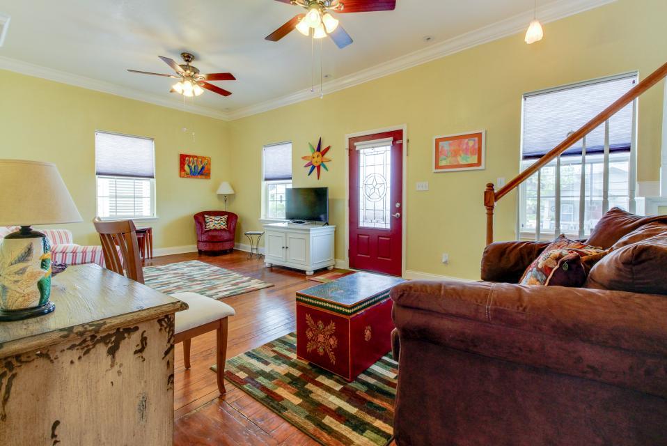 The Yellow Beach House - Galveston Vacation Rental - Photo 4