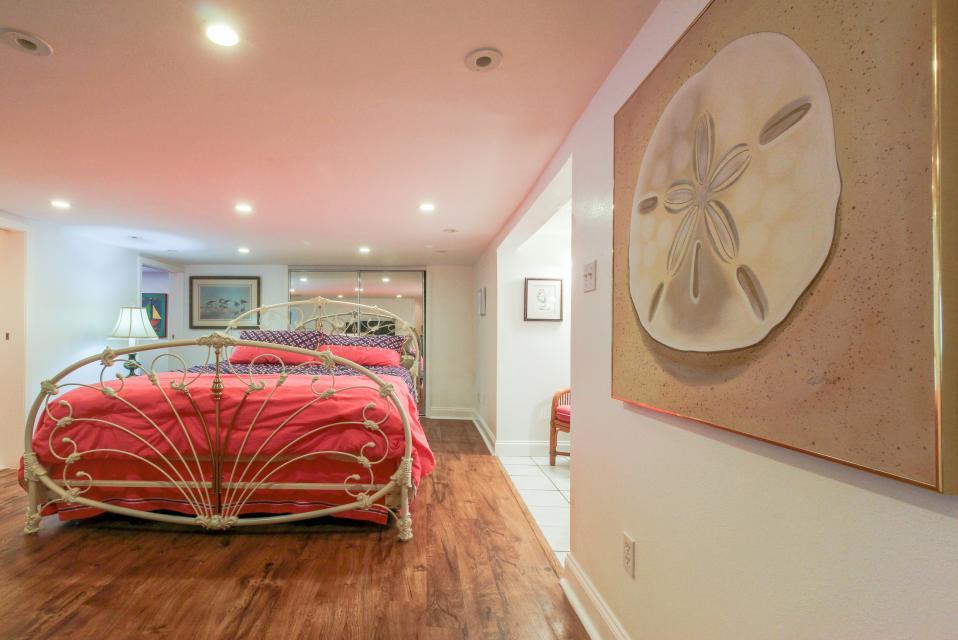 The Yellow Beach House - Galveston Vacation Rental - Photo 14