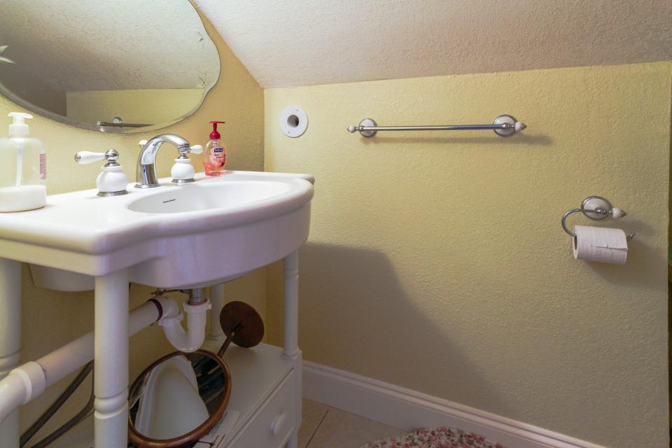 The Yellow Beach House - Galveston Vacation Rental - Photo 26