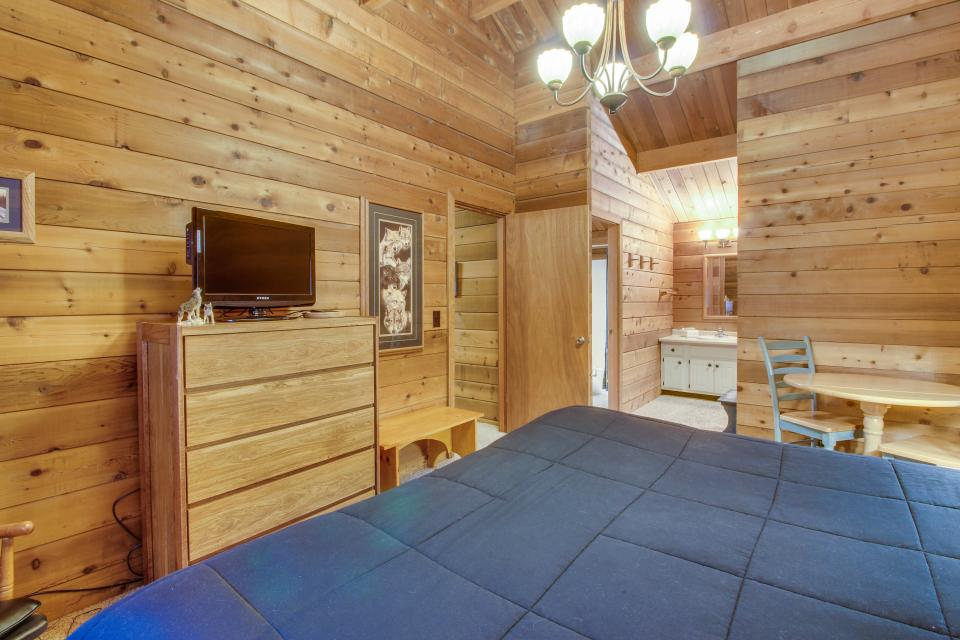 Otter Lane 11 | Discover Sunriver - Sunriver Vacation Rental - Photo 15