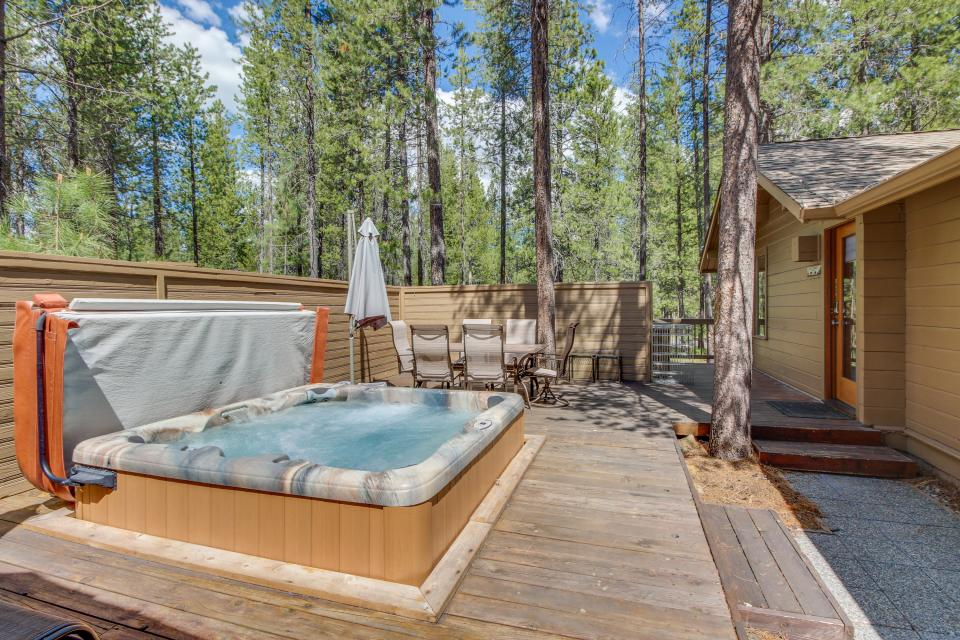 Otter Lane 11 | Discover Sunriver - Sunriver Vacation Rental - Photo 2