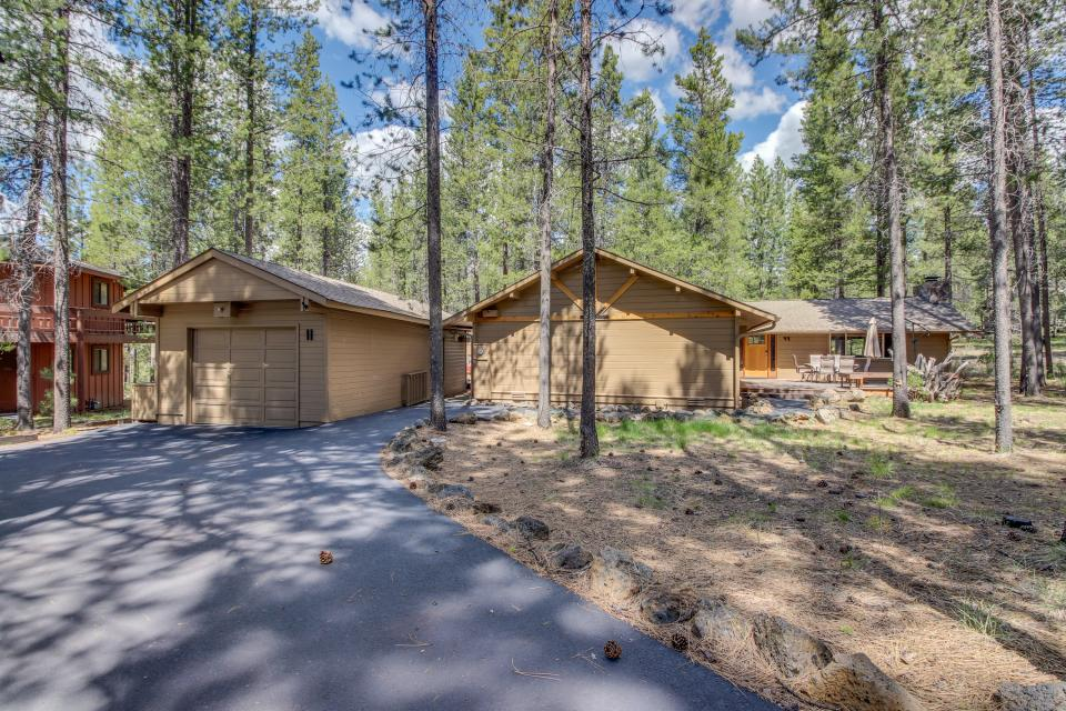 Otter Lane 11 | Discover Sunriver - Sunriver Vacation Rental - Photo 32