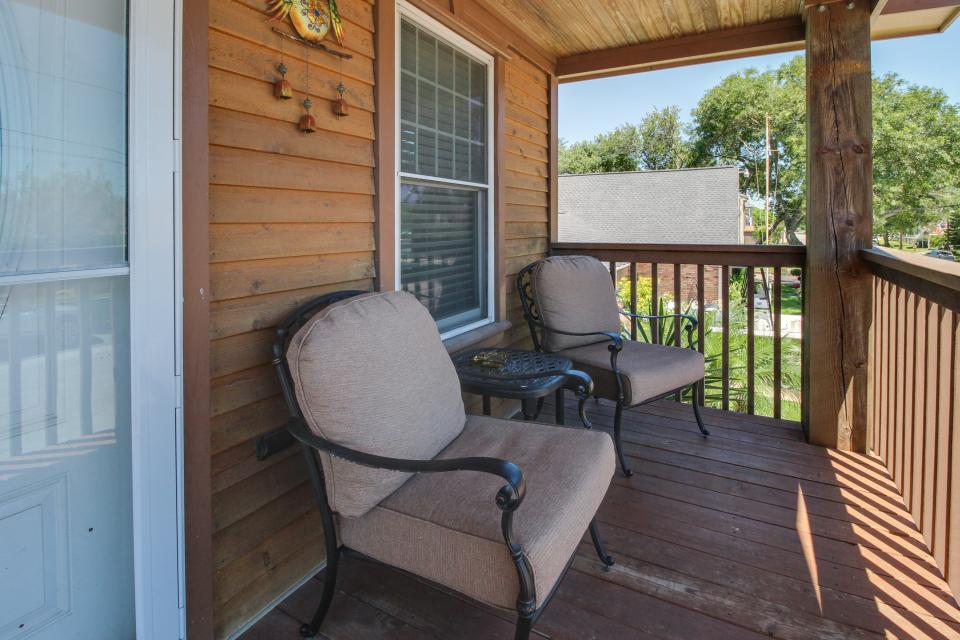 Cedarwood - Galveston Vacation Rental - Photo 22