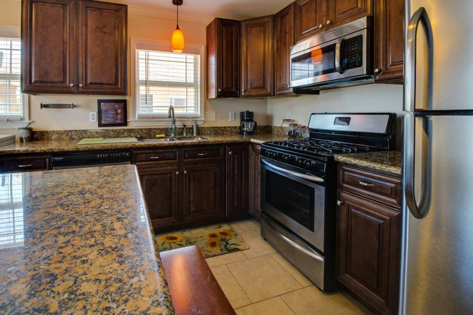 Cedarwood - Galveston Vacation Rental - Photo 7