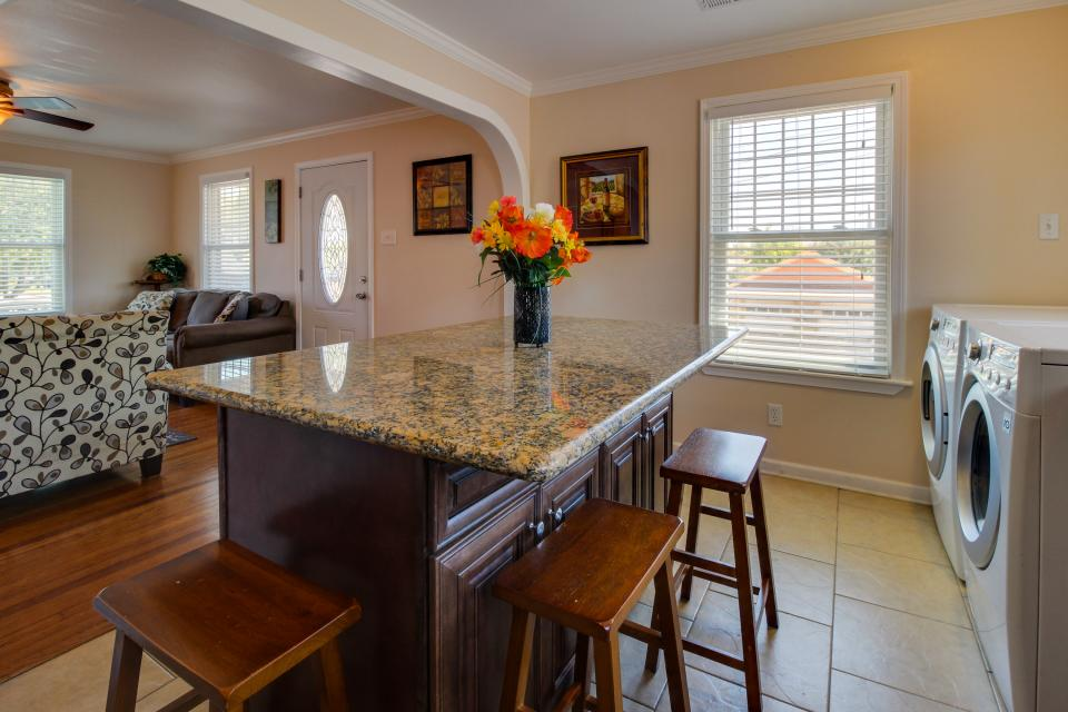 Cedarwood - Galveston - Take a Virtual Tour