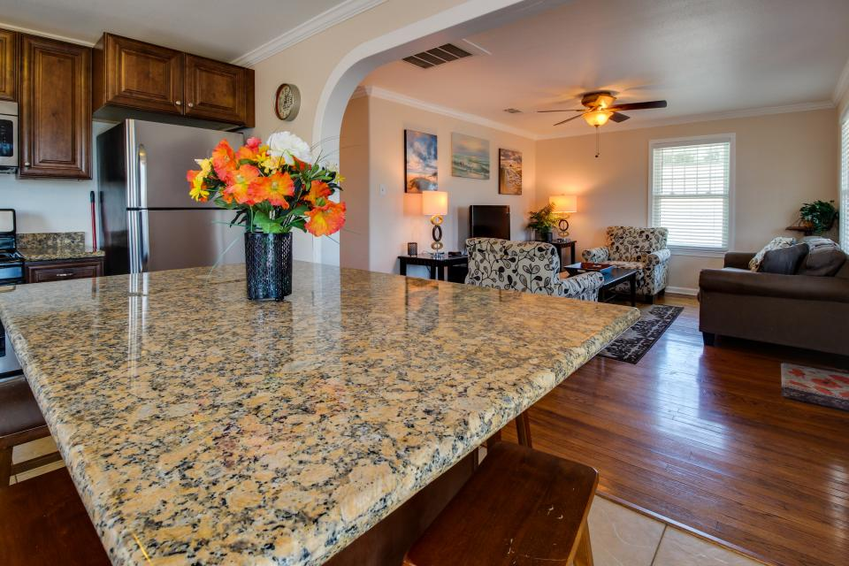 Cedarwood - Galveston Vacation Rental - Photo 6