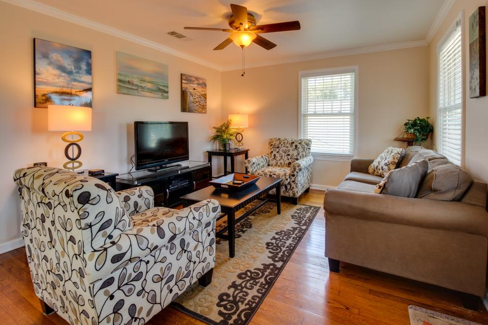 Cedarwood - Galveston Vacation Rental - Photo 3