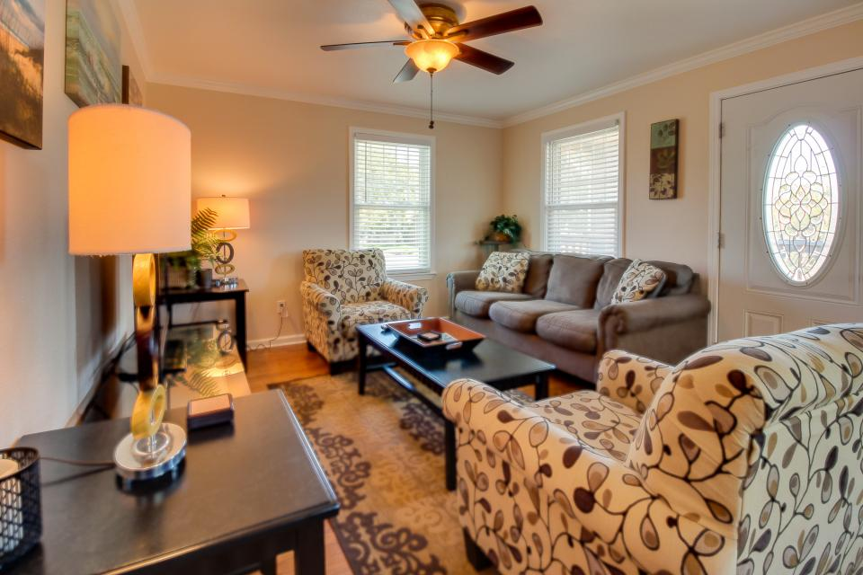 Cedarwood - Galveston Vacation Rental - Photo 12