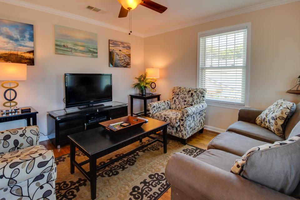 Cedarwood - Galveston Vacation Rental - Photo 13