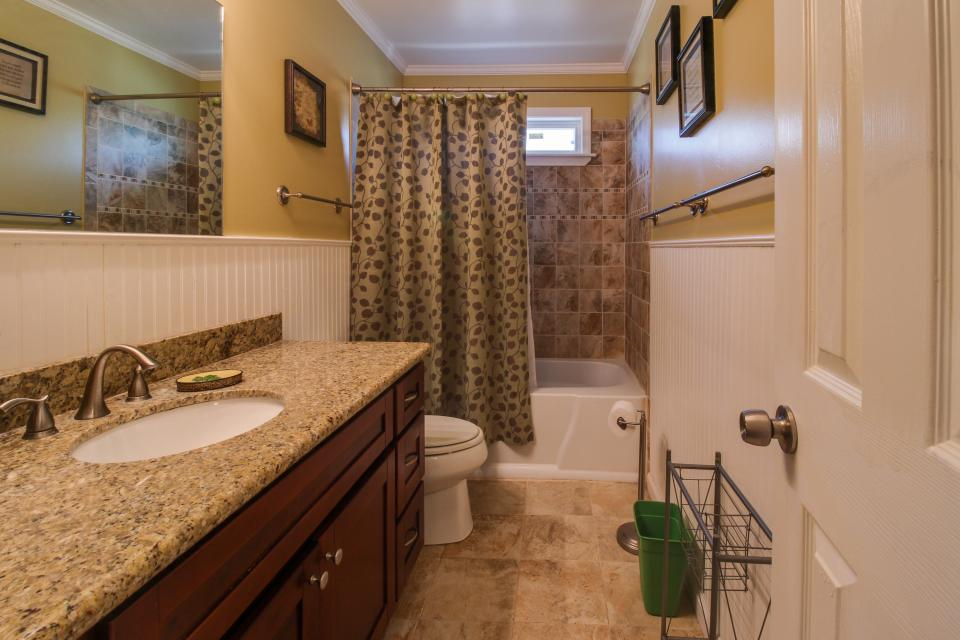Cedarwood - Galveston Vacation Rental - Photo 21