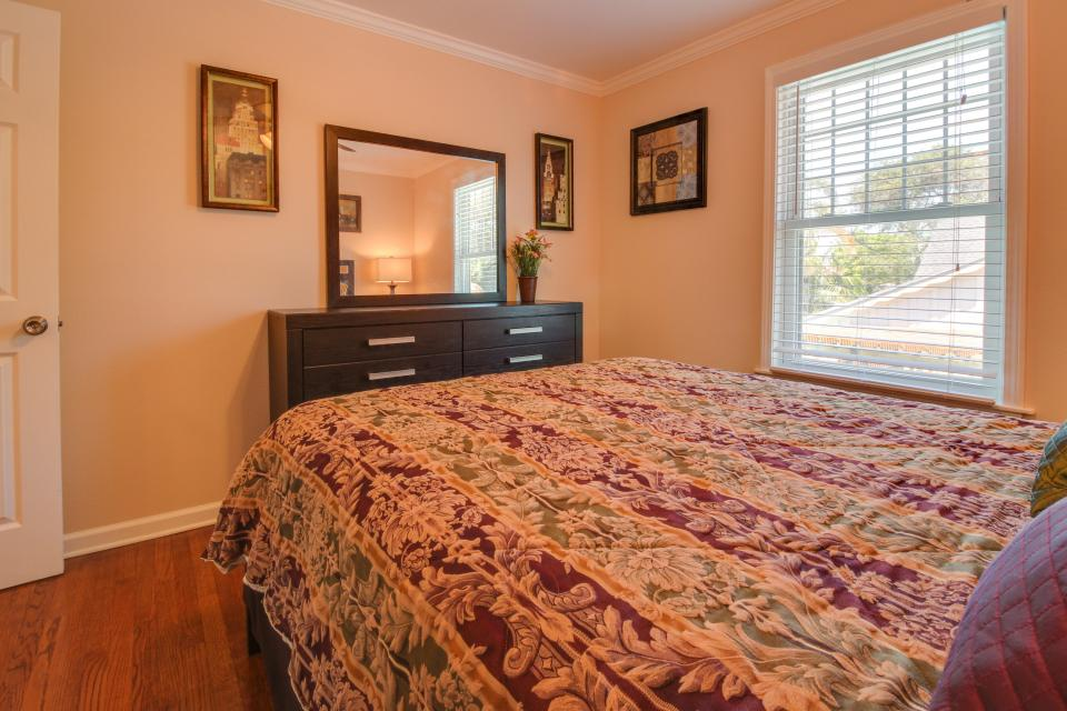 Cedarwood - Galveston Vacation Rental - Photo 18