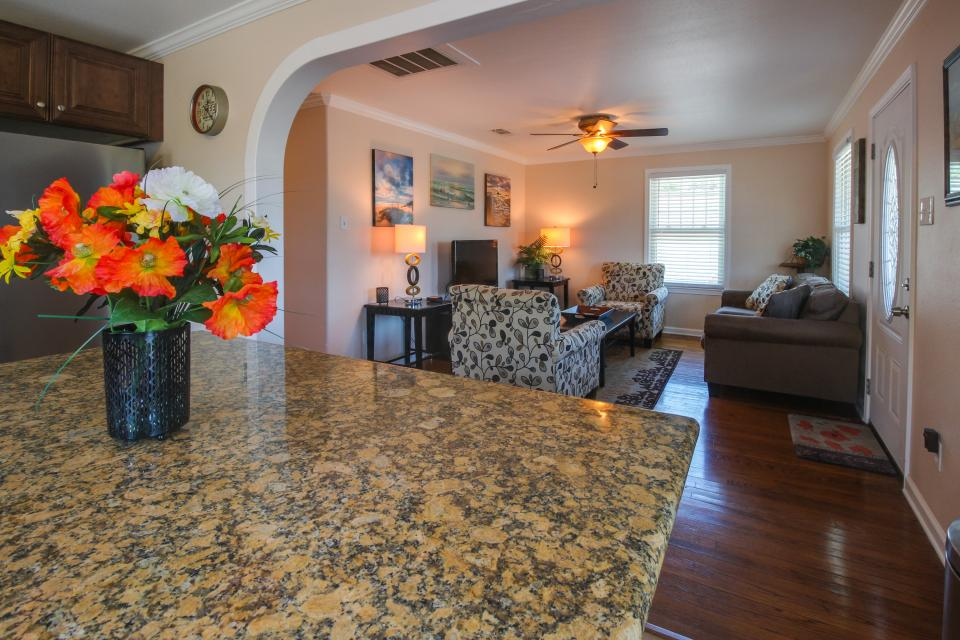 Cedarwood - Galveston Vacation Rental - Photo 9