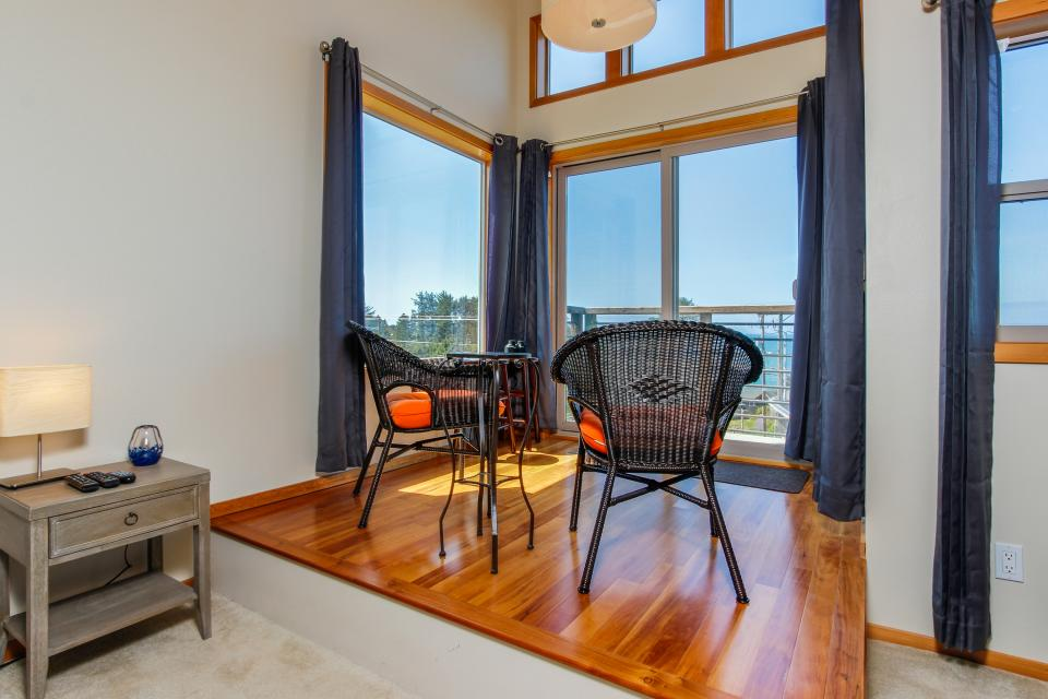 Just Beachy! - Depoe Bay Vacation Rental - Photo 20