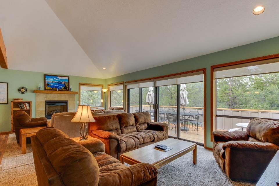 Mt View Lane 6 | Discover Sunriver - Sunriver Vacation Rental - Photo 7