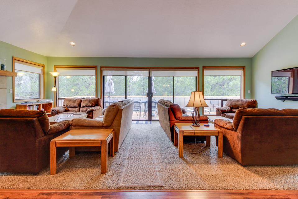 Mt View Lane 6 | Discover Sunriver - Sunriver Vacation Rental - Photo 12