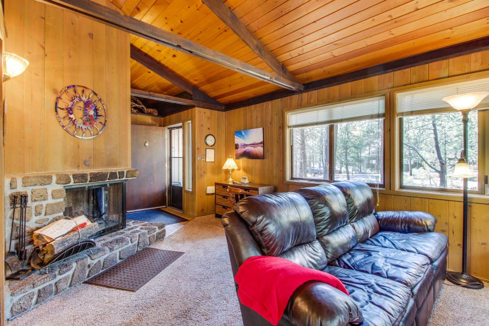 Hare Lane 05 | Discover Sunriver - Sunriver Vacation Rental - Photo 6