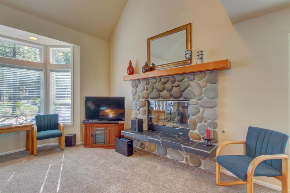 Lynx Lane 08 | Discover Sunriver - Sunriver Vacation Rental - Photo 7