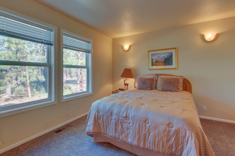 Lynx Lane 08 | Discover Sunriver - Sunriver Vacation Rental - Photo 12