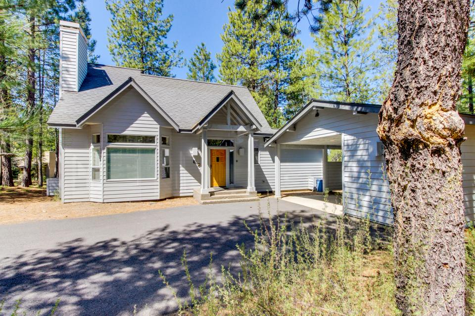 Lynx Lane 08 | Discover Sunriver - Sunriver Vacation Rental - Photo 1