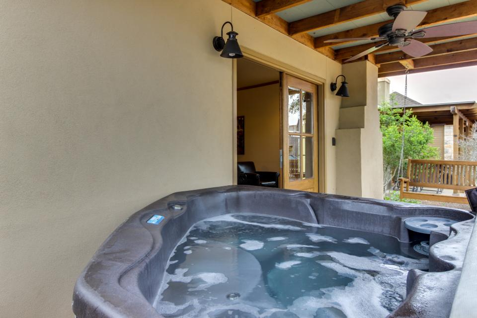Wine Country Cottages on Main- Full Property - Fredericksburg Vacation Rental - Photo 28