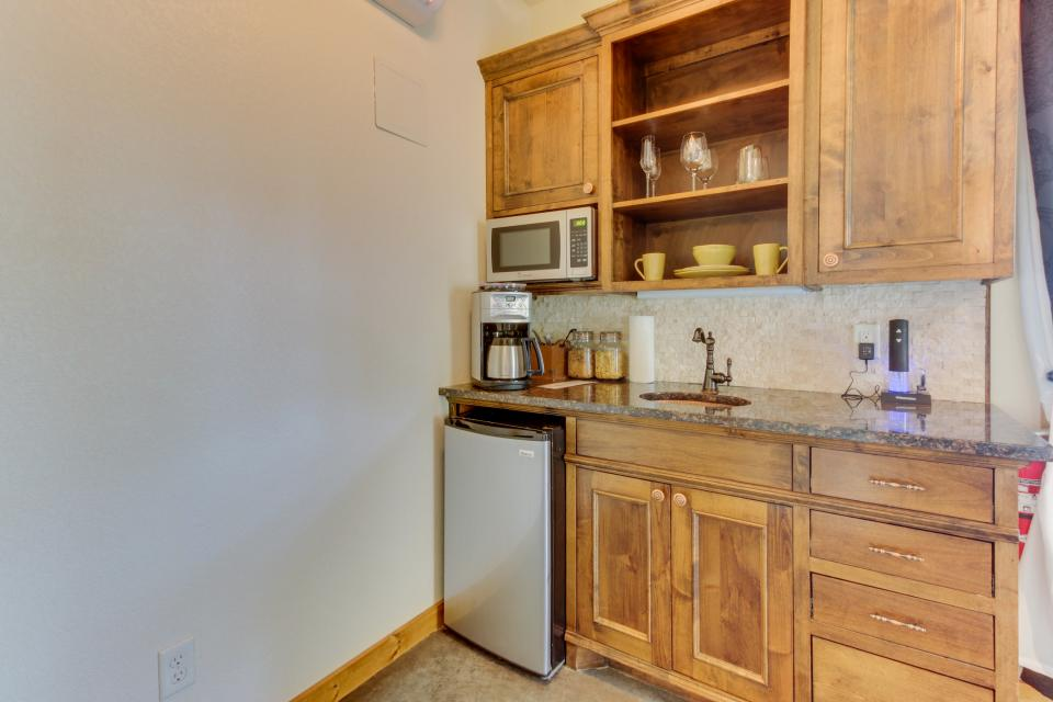 Wine Country Cottages on Main- Full Property - Fredericksburg Vacation Rental - Photo 34