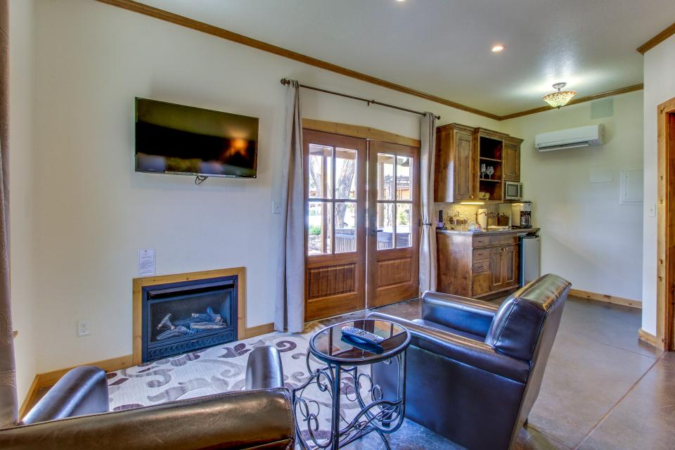 Wine Country Cottages on Main- Full Property - Fredericksburg Vacation Rental - Photo 50