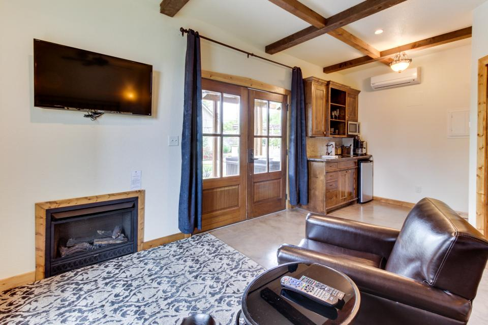 Wine Country Cottages On Main Full Property 13 Bd